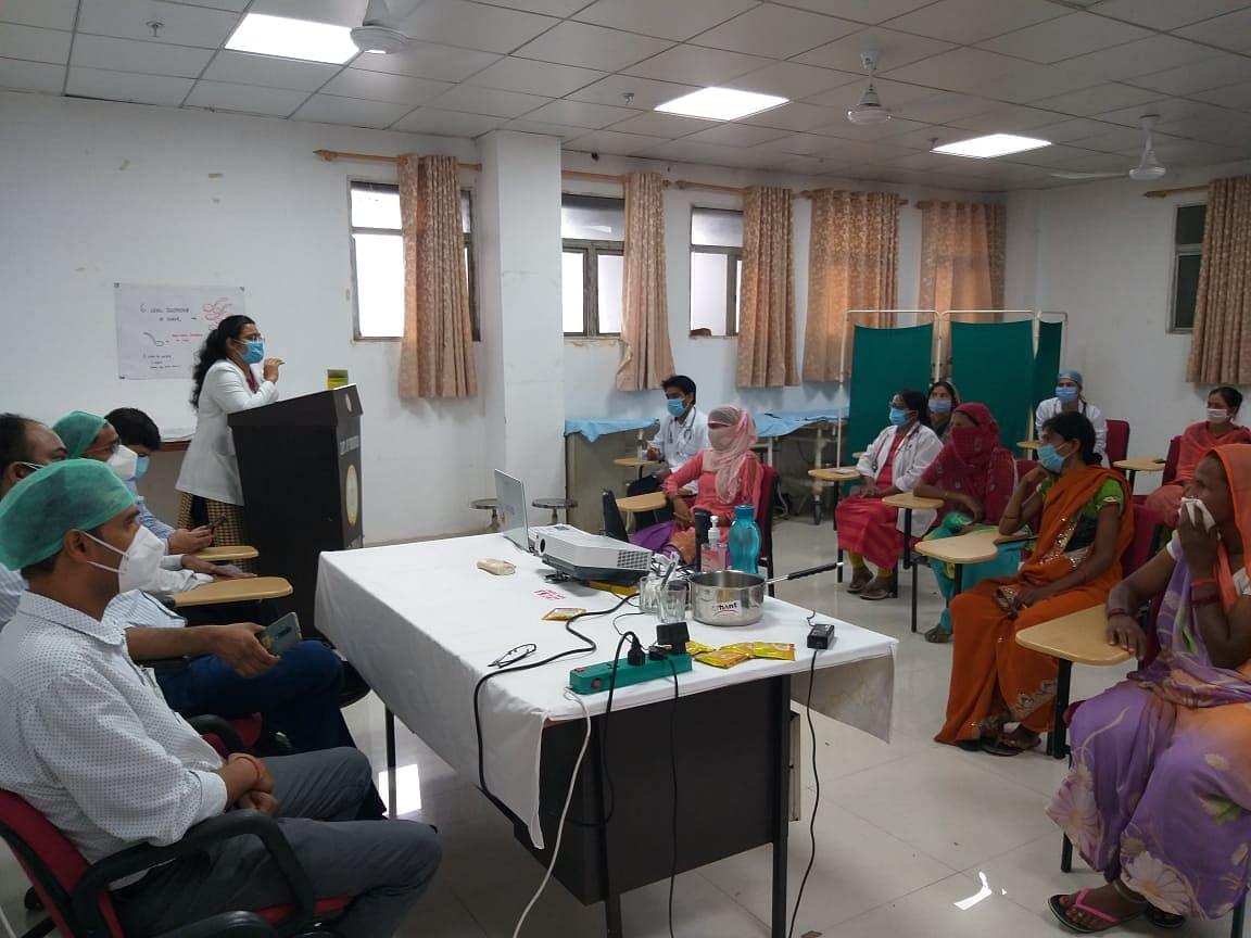 सैफई मेडिकल यूनिवर्सिटी में बाल रोग विभाग ने मनाया ओआरएस दिवस
