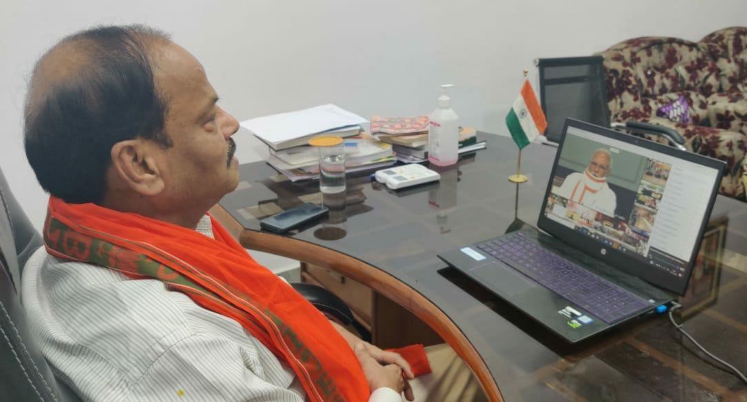 जिनसे एक मोहल्ला नहीं संभला वे केंद्र की नीतियों पर सवाल कर रहे हैं : रघुवर दास