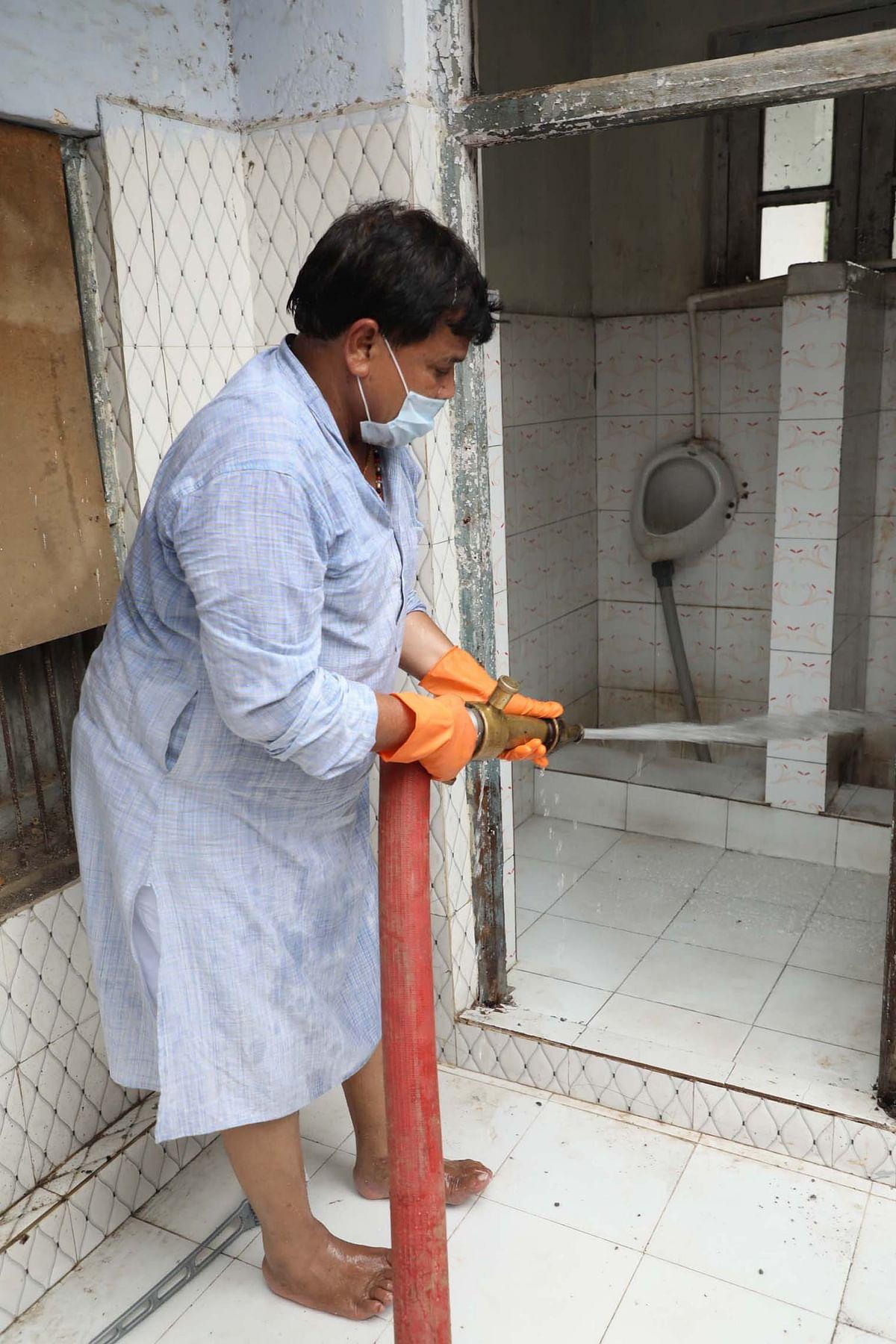सफाई के प्रति प्रत्येक कर्मचारी समझे अपनी जिम्मेदारी : ऊर्जा मंत्री तोमर