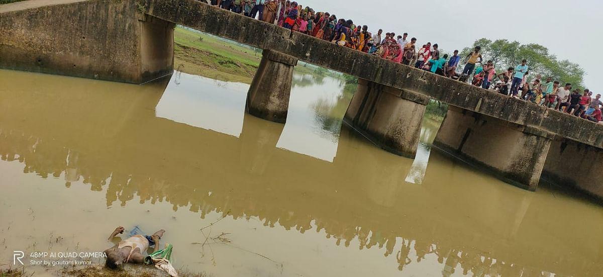 भागलपुर में पानी में तैरता मिला अधेड़ का शव
