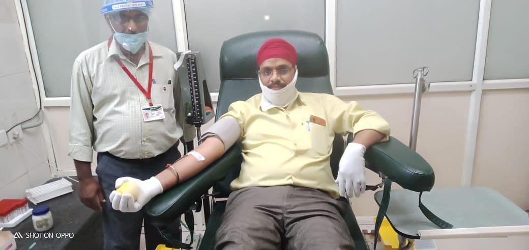 रक्त वीरों ने की प्रसूता को रक्त देकर परिवार की मदद