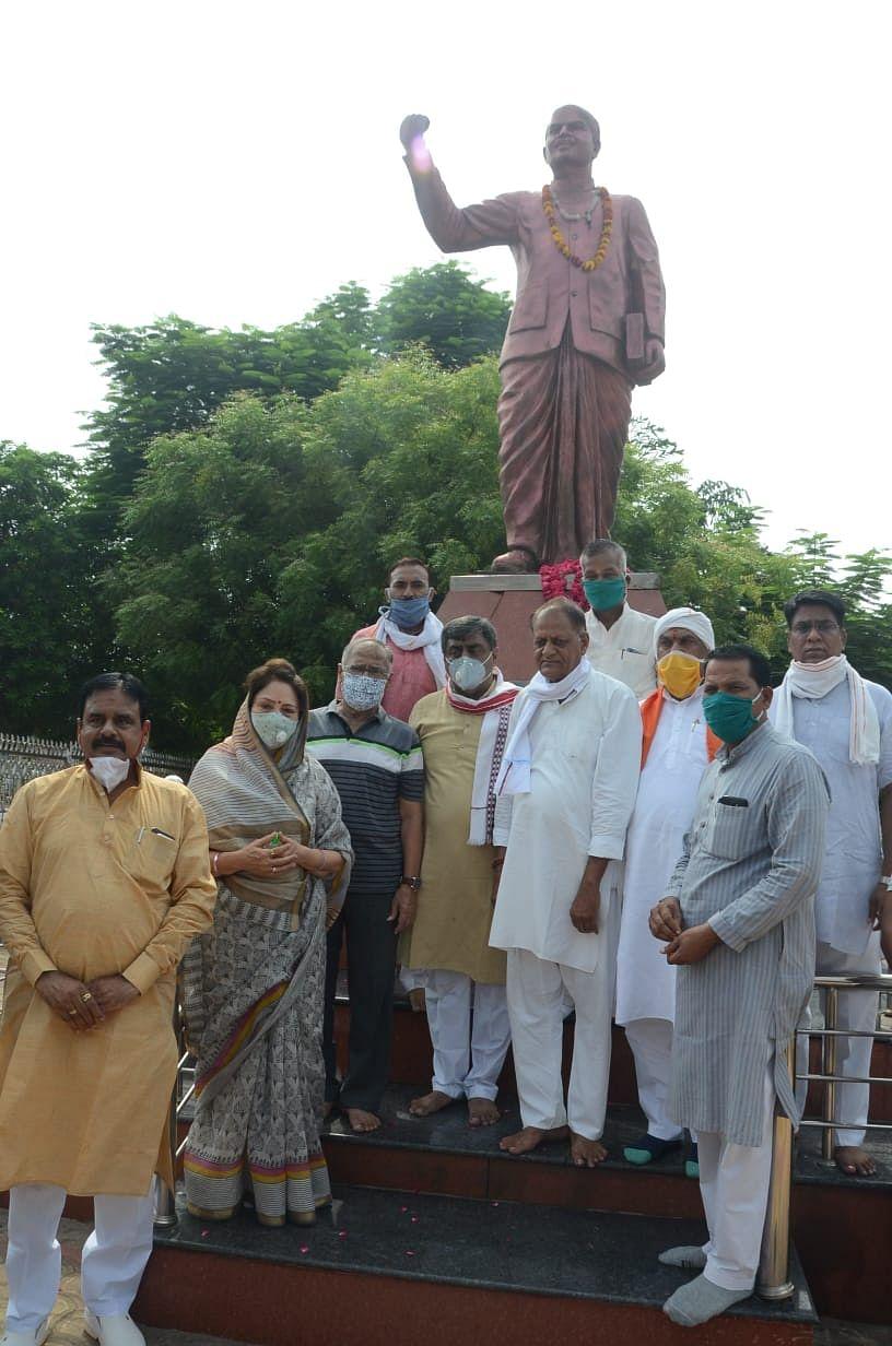 डॉ. मुखर्जी के सपने व संकल्प को प्रधानमंत्री मोदी ने किया साकार: सांसद शेजवलकर