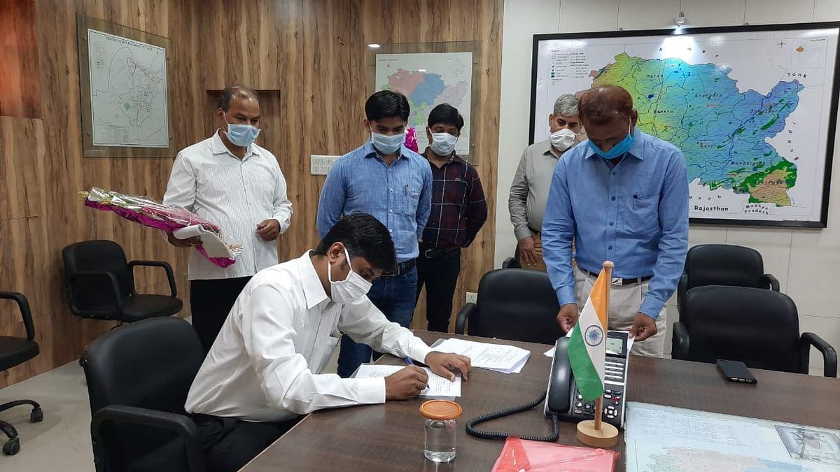 जिला कलक्टर शिवप्रसाद एम नकाते ने किया पदभार ग्रहण