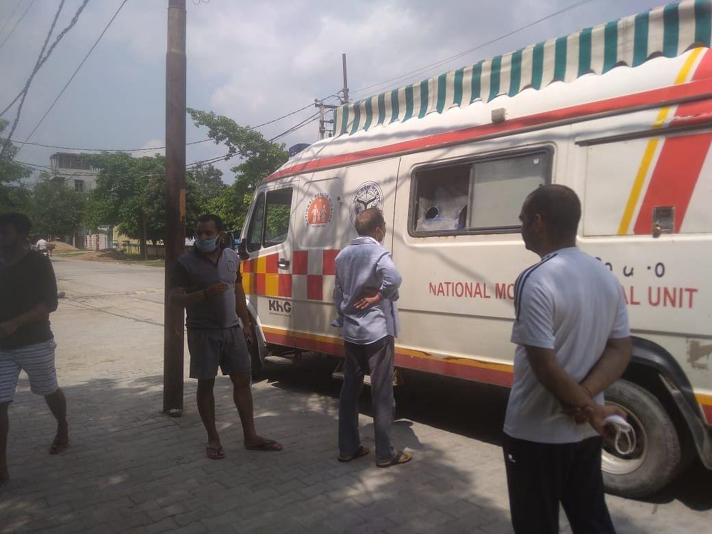 कोरोना संक्रमित विधायक नागेंद्र के सम्पर्क में रहे 32 लोगों के लिए सैम्पल