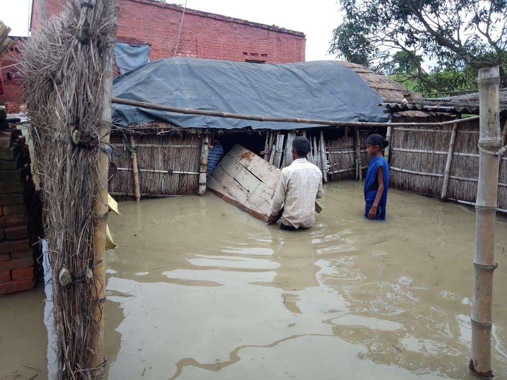 उत्तर बिहार के 8 जिलों की 3 लाख आबादी बाढ़ की चपेट में
