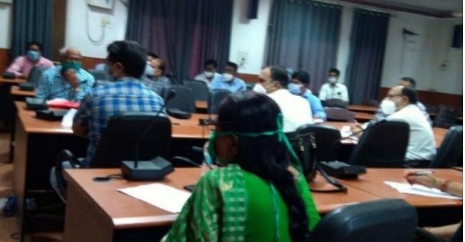 भोजपुर में कोरोना की बड़े बड़े पैमाने पर जांच को ले डीएम की अहम बैठक