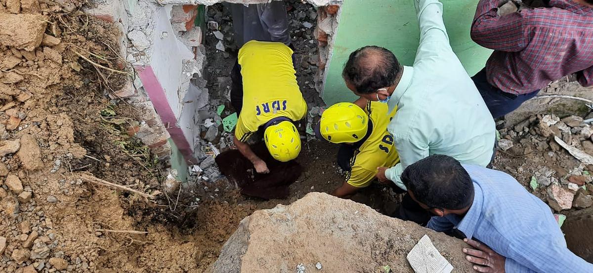 टिहरीः रक्षाबंधन से पहले तीन भाई बहनों की मलबे में दबकर मौत, परिवार में कोहराम