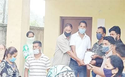सरेआम घूम रहा तेंदुआ, भयभीत ग्रामीणों ने सौंपा वन विभाग को ज्ञापन