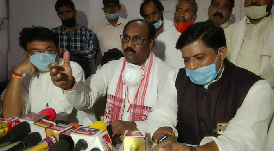 घटना कांग्रेस का षड्यंत्र, दलितों के नाम पर सेंकी जा रहीं राजनीतिक रोटियां : आर्य