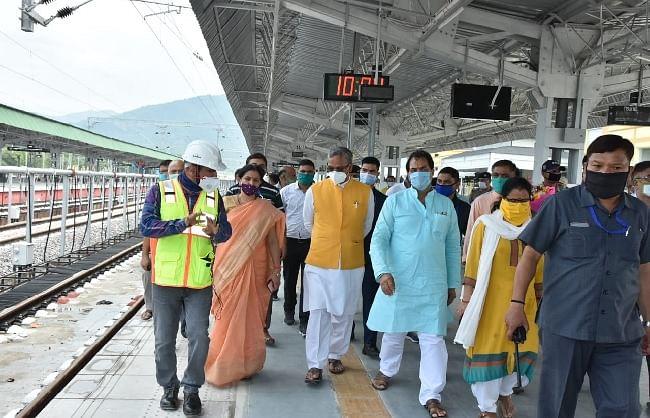 मुख्यमंत्री त्रिवेन्द्र ने किया ऋषिकेश रेलवे स्टेशन का स्थलीय निरीक्षण