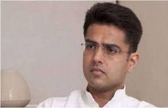 सचिन पायलट को उप-मुख्यमंत्री और कांग्रेस अध्यक्ष पद से हटाया गया, डोटासरा को पार्टी की कमान
