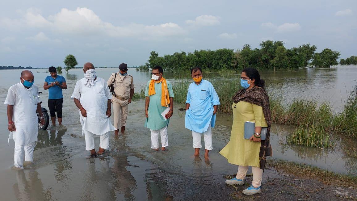 सरकार के संसाधनों पर पहला हक गरीबों, बाढ़ पीड़ितों का : मंत्री प्रमोद कुमार