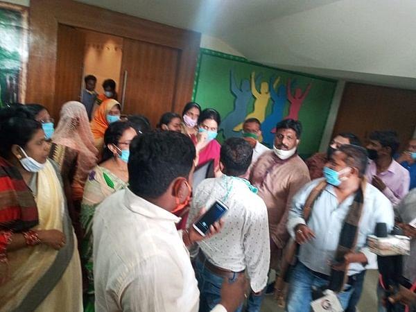 नगर निगम में चुनाव के 7 माह के बाद बुलवाई गयी विशेष बैठक, भाजपा पार्षदों ने किया बहिष्कार