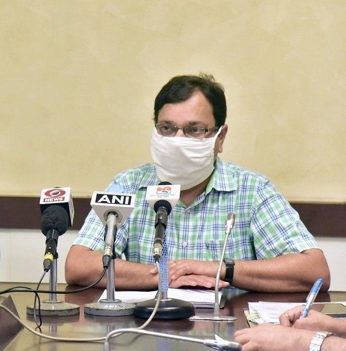 योगी सरकार का अहम फैसला, निजी अस्पतालों में रोजाना जाएगी कोविड टेस्टिंग वैन
