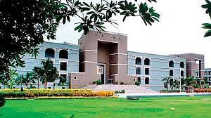 गुजरात उच्च न्यायालय में कोरोना से 17 कर्मचारी संक्रमित
