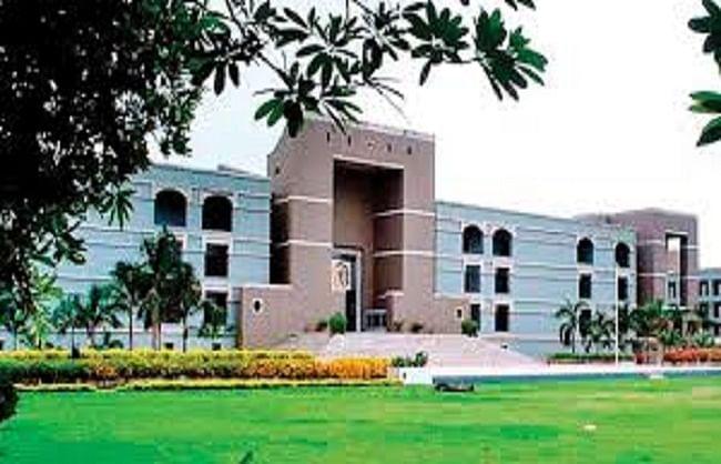 गुजरात हाई कोर्ट में 17 कर्मचारी कोरोना संक्रमित