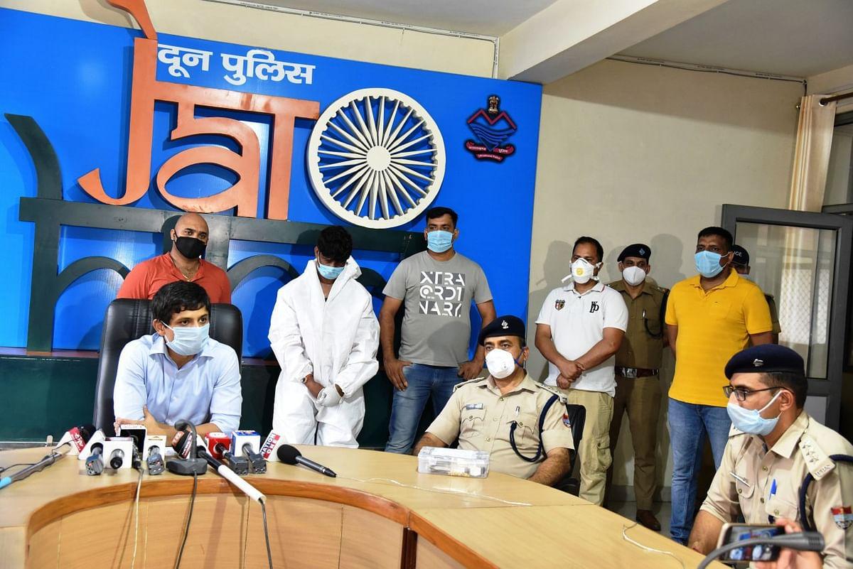 देहरादून में 9 महीने पहले हुई लूटपाट का एक आरोपित रामपुर से गिरफ्तार, माल बरामद