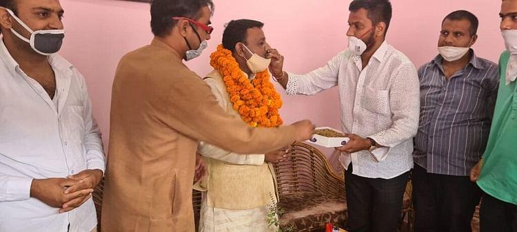 भाजपा नेता डॉ. अमन गुप्ता ने मेयर गौरव का किया स्वागत