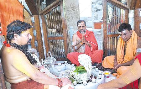 भवसागर से पार लगाती है भगवान शिव की आराधनाः कैलाशानंद