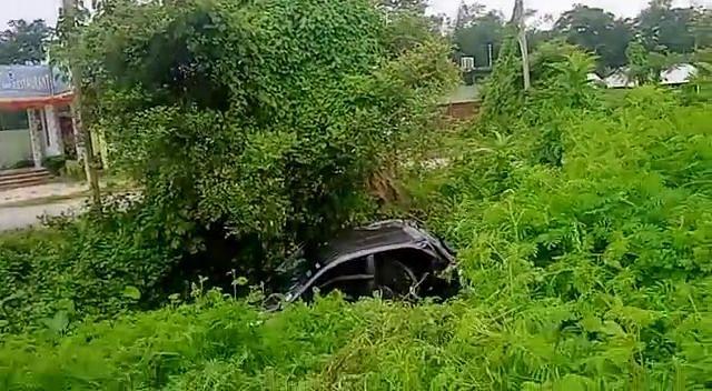 सड़क दुर्घटना में भाई-बहन की मौत,  एक घायल