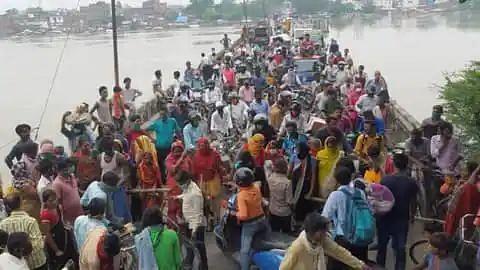 मुज़फ़्फ़रपुर में बाढ़ राहत के लिए लगा महाजाम, जमकर हुआ बबाल