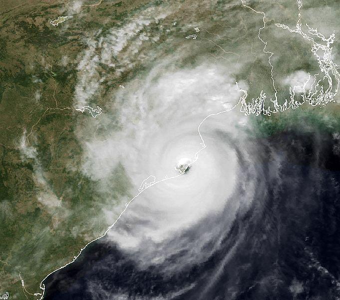 सपने में चक्रवात देखने का मतलब - Dream Of Cyclone Meaning