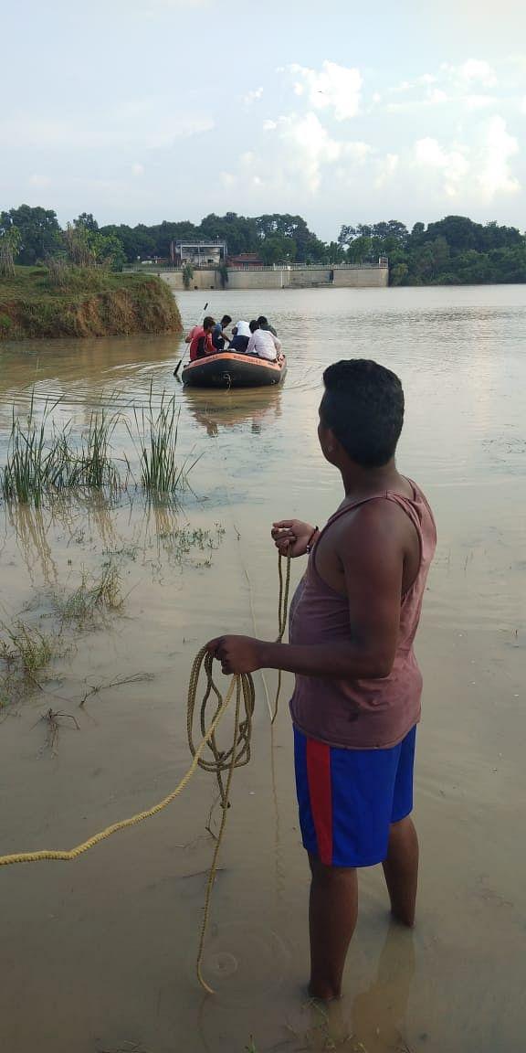 सोन नदी में नहाने गए युवक डूबा, रेस्क्यू टीम नदी में कर रही सर्चिंग