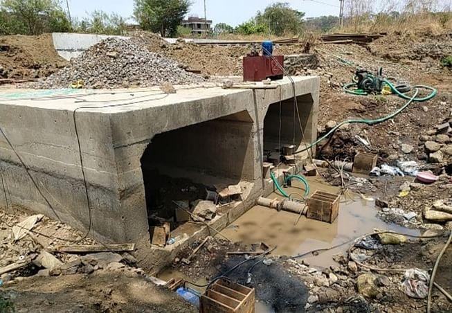 लॉकडाउन : मध्य रेल के अनेक स्थानों पर पुलों का पुनर्निर्माण