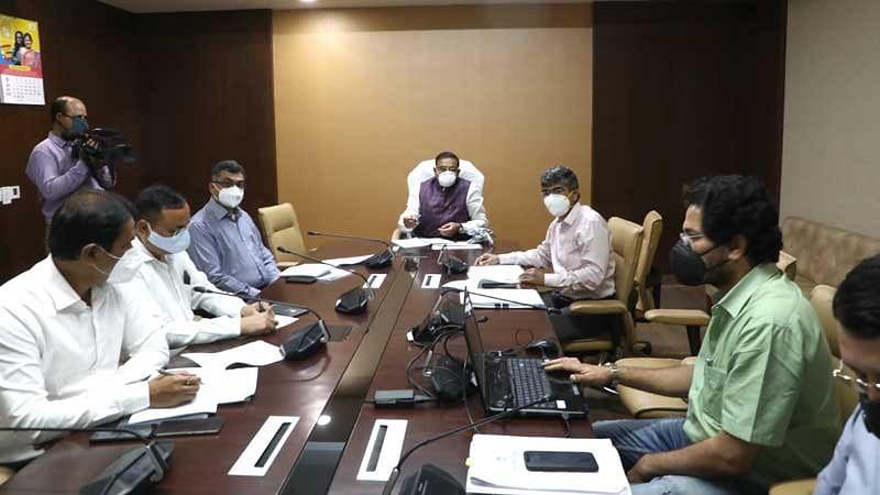 शहरों के मास्टर प्लान को रिव्यू करें अधिकारी : मंत्री सिंह