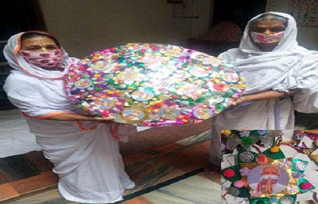 'मोदी भैया' को भेजने के लिए वृंदावन की विधवाओं ने बनाईं राखियां