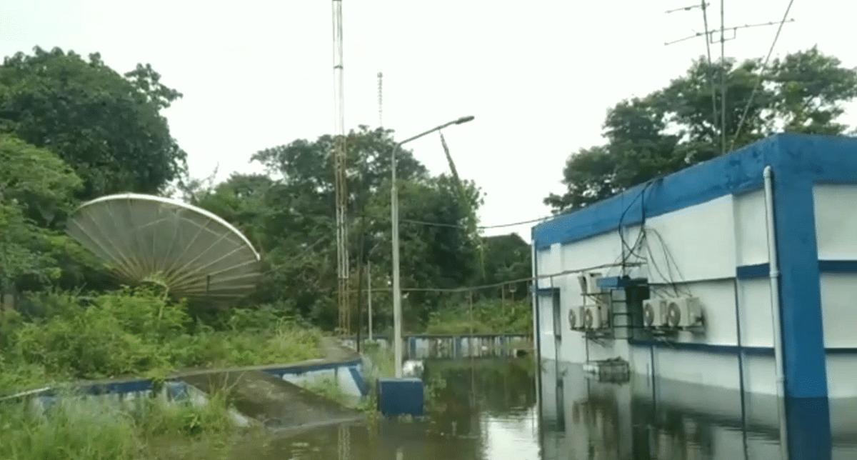 दरभंगा आकाशवाणी केन्द्र में घुसा बाढ़ का पानी