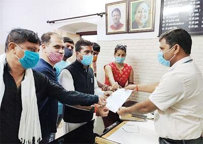 राजपुरा कंटेन्मेंट जोन के लोगों को बेहतर इलाज देने की मांग