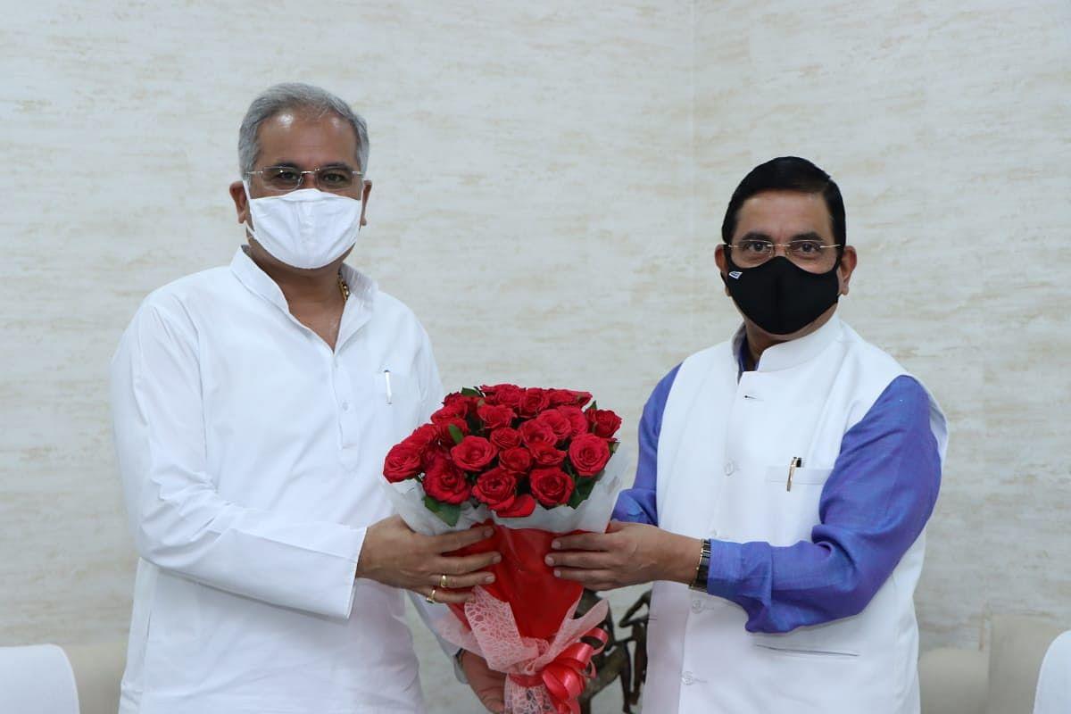मुख्यमंत्री भूपेश बघेल से मिले केंद्रीय कोयला मंत्री प्रहलाद जोशी