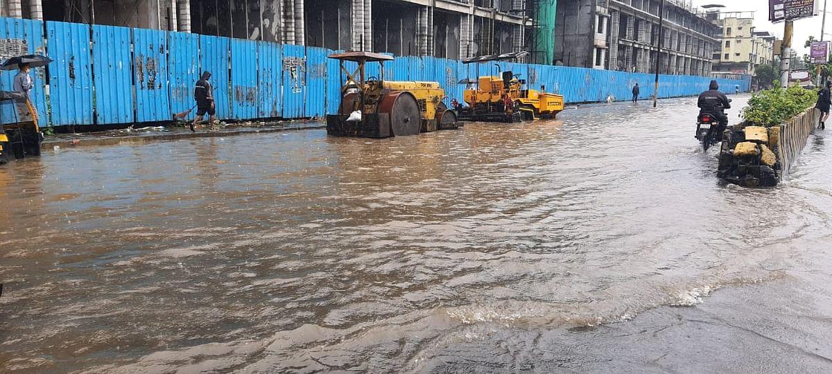 भारी बारिश से वसई के कई जगहों पर जलभराव