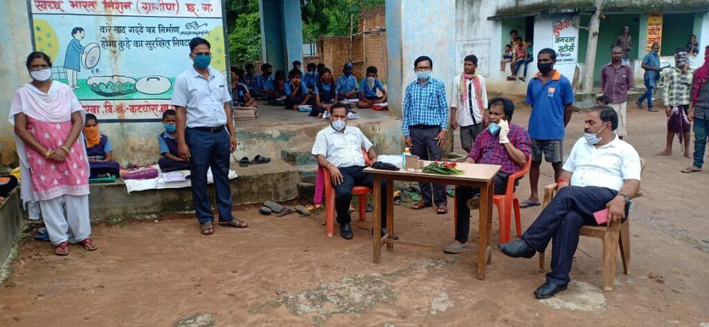 संकुल बिंझरा के स्कुल में लाऊडस्पीकर का बीईओ द्वारा किया गया उद्घाटन
