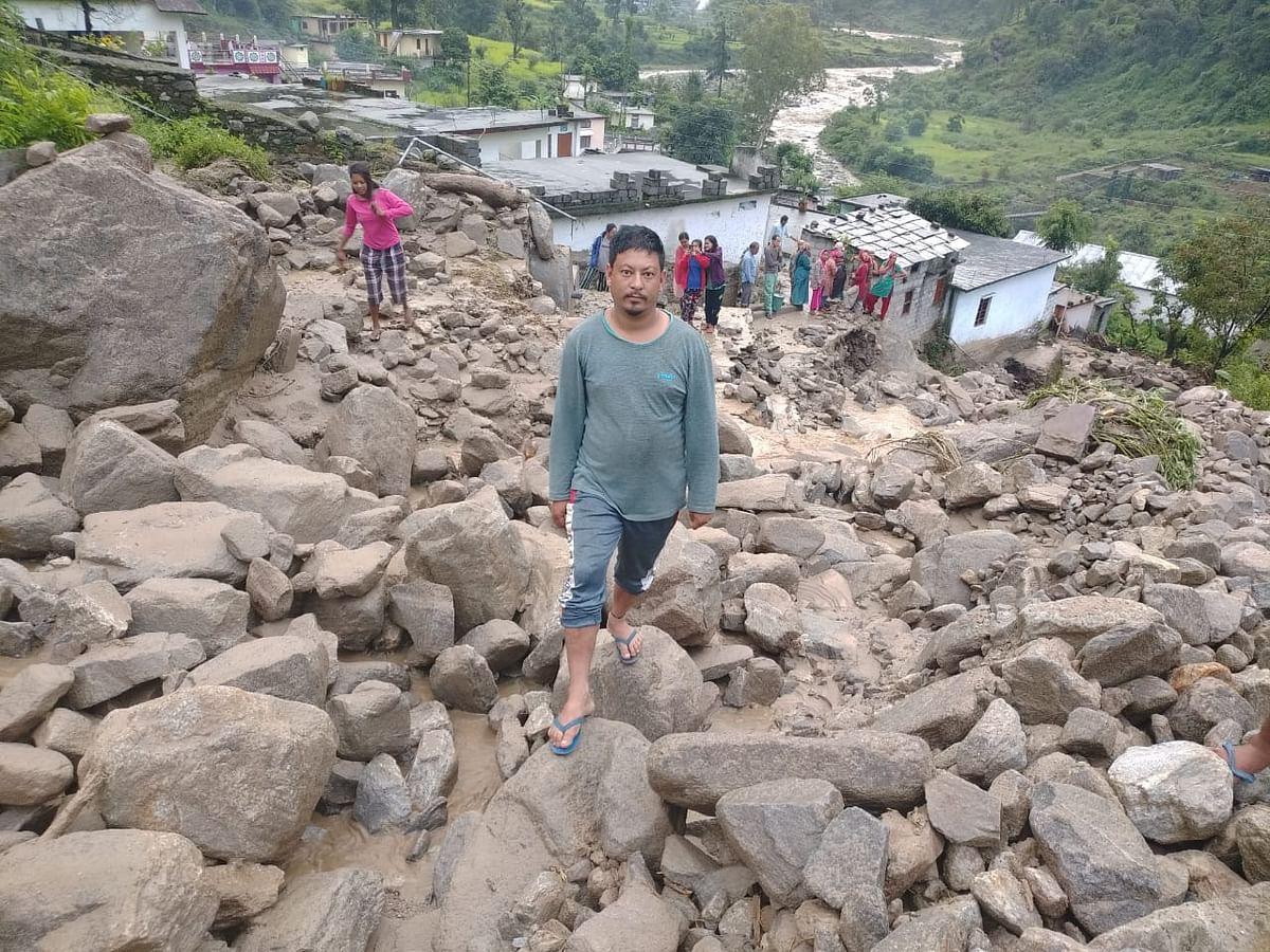 चमोली जिले में भारी  बरसात, घाट, थराली क्षेत्र के कई गांवों को क्षति