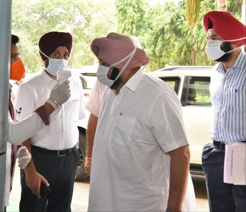 पंजाब विधानसभा में गलवान वैली के शहीदों को श्रद्धांजलि