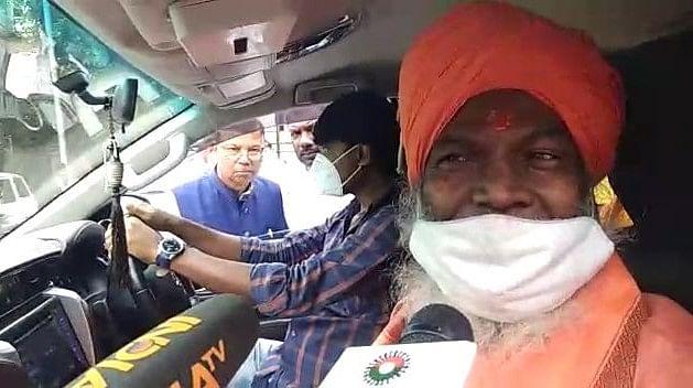 सोनिया और राहुल गांधी कांग्रेस को समाप्त करने के लिए पर्याप्त है- साक्षी महाराज