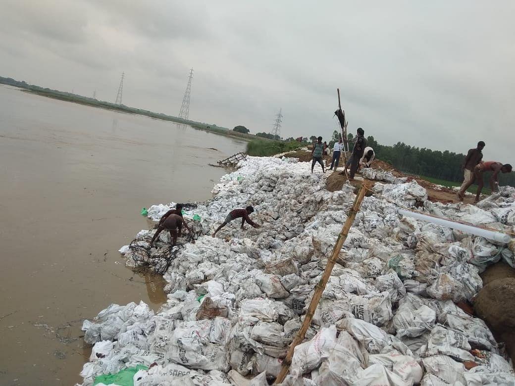 उप्र : 16 जनपदों में 536 गांव बाढ़ से प्रभावित, एनडीआरएफ, एसडीआरएफ और पीएसी की 16 टीमें तैनात