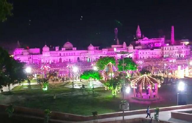 अयोध्या में रामलला के पड़ोसी भी हैं सतपाल महाराज