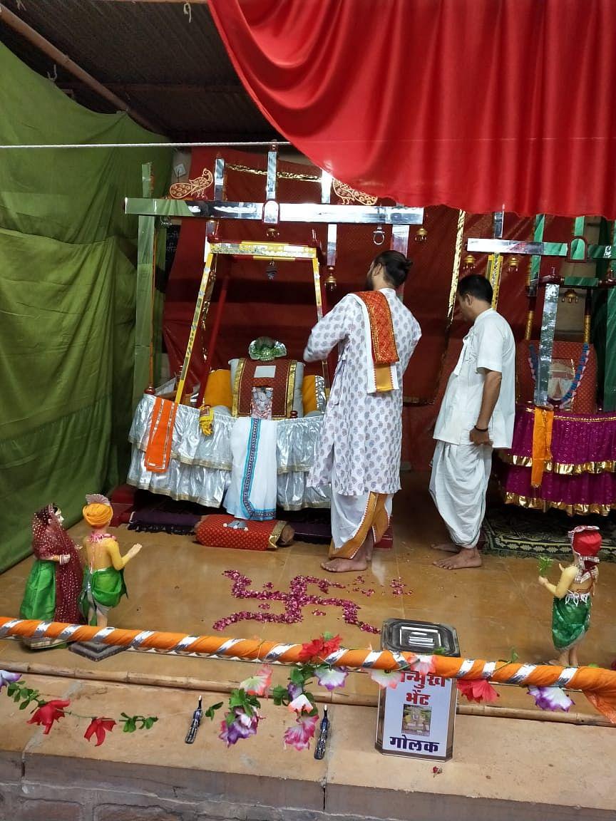 पुष्टिमार्गीय केंद्रों पर हुए भव्य कार्यक्रम, हिंडोला महोत्सव का हुआ समापन