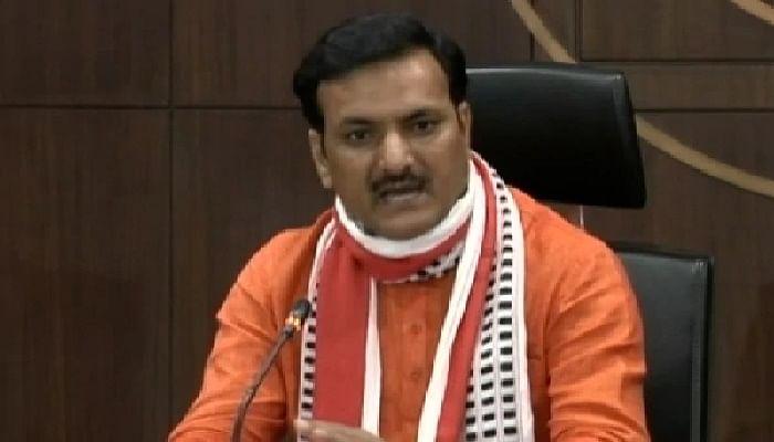बेसिक शिक्षा मंत्री सतीश द्विवेदी ने सपा के 'ब्राह्मण प्रेम' पर अखिलेश को फिर दिखाया आईना