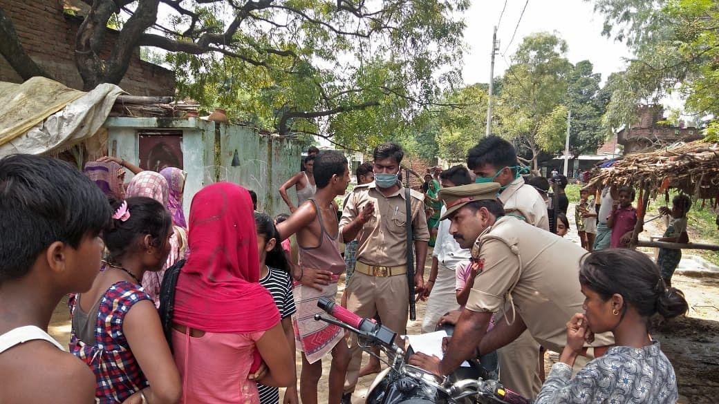 फर्रुखाबाद में भाला मार कर सांड की हत्या,बवाल,पुलिस ने आरोपितों के घर छापा मारा
