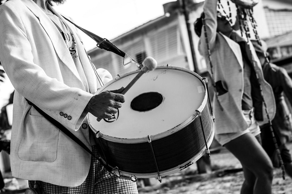 सपने में ढोलक बजाते देखने का मतलब - Dream Of Dholak Baajate Meaning