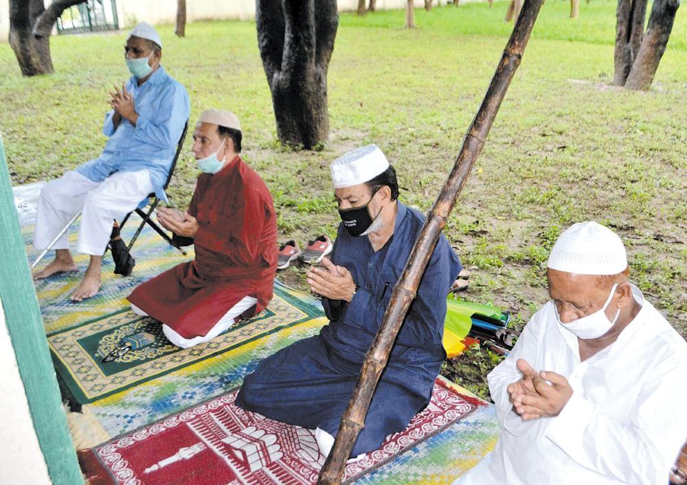 शांति और उत्साह के साथ मनाया गया ईद-उल -अजहा का पर्व