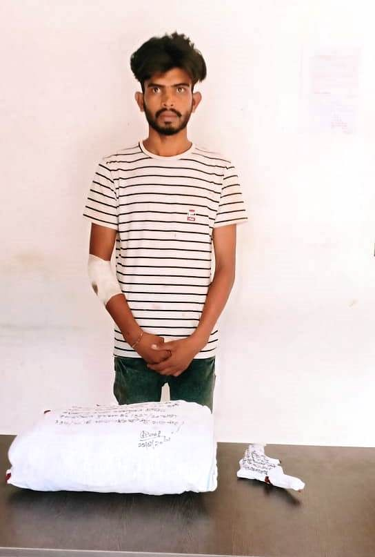 साइबर कैफे में लूट करने वाला बी.टेक का छात्र गिरफ्तार,सवा लाख रुपये बरामद