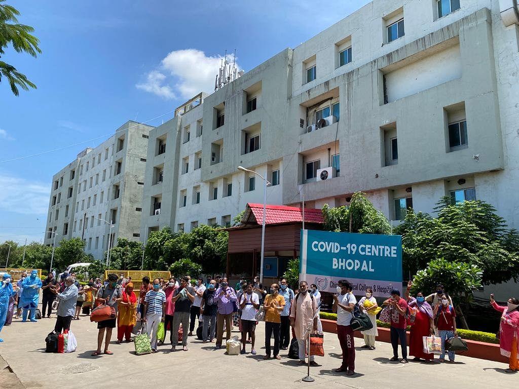 एक बार फिर भोपाल में 66 लोगों ने दी कोरोना को मात, स्वस्थ होकर लौटे घर