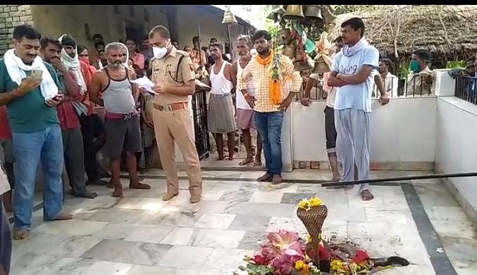 रायबरेली: प्राचीन शिव मंदिर के शिवलिंग टूटने पर भारी आक्रोश, युवक गिरफ्तार