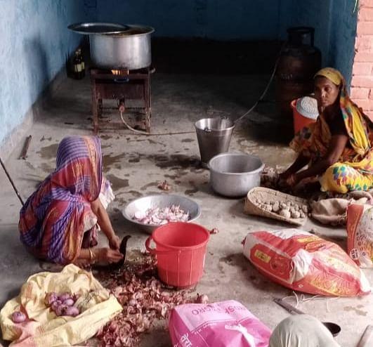 एसडीआरएफ चला रही है राह5त एवं बचाव कार्य, कम्युनिटी किचन शुरू : डीएम