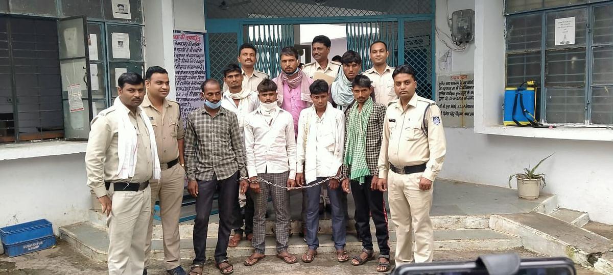 डिप्टी रेंजर और वनकर्मियों पर हमला करने वाले 7 आरोपित गिरफ्तार